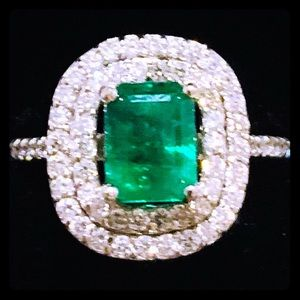 18K White Gold 2.60ctw Emerald and Diamond Ring